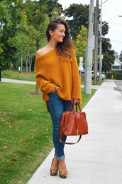sweater,orange sweater,skinny jeans,brown bag,animal print shoes,blogger