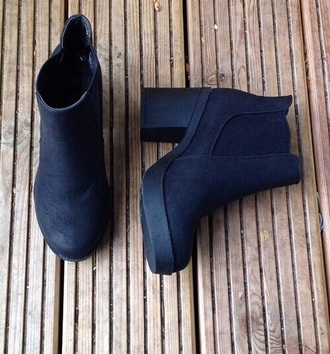 shoes black booties heels black heels thick heel black booties black boots