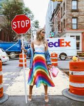 skirt,rainbow,midi skirt,pleated skirt,white top,denim jacket,handbag,transparent  bag,high heel sandals,sunglasses