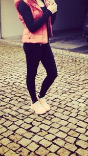 shoes,nike,pink,rose,boho,hipster,jacket,low top sneakers,vest,black leggings,black jeans,peach,nike sneakers