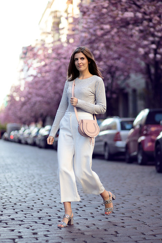 simple et chic blogger shirt pants shoes bag