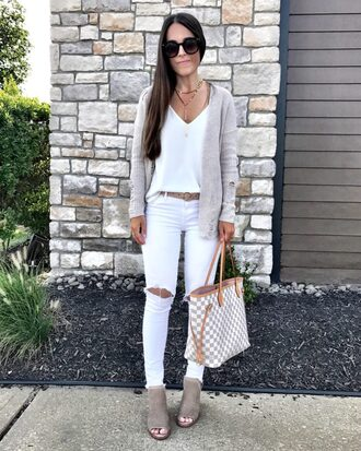 mrscasual blogger cardigan jeans shoes belt tank top jewels bag sunglasses