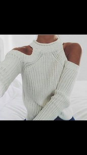 sweater,cream sweater,cold shoulders,cut out shoulder,white
