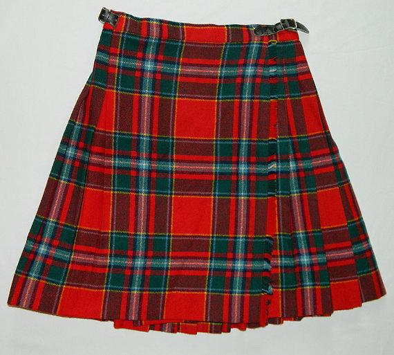 Vintage mini skirt plaid laird portch of by lootandlaunder on etsy