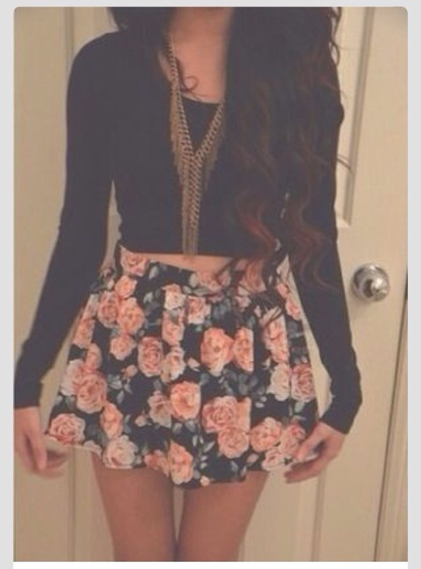 gold necklace gold chain skater skirt black crop top fall outfits flowers floral skirt floral skirt dress shirt top jewels flower skirt vintage tumblr girl tumblr girly outfits tumblr girly roses