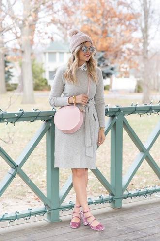 suburban faux-pas blogger hat sunglasses dress bag shoes jewels winter outfits beanie pink bag grey dress round bag pumps mid heel pumps
