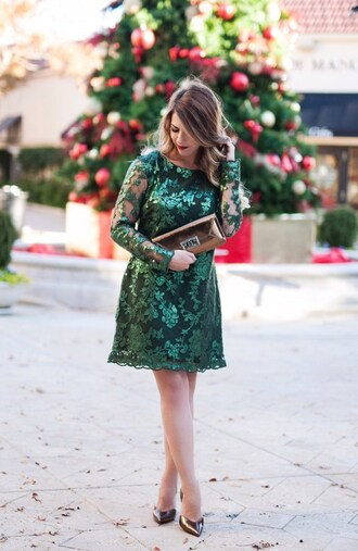 herestheskinny blogger dress bag shoes jewels make-up green dress party dress lace dress new year's eve christmas dress