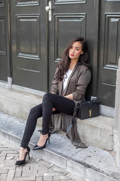 bag tlnique blogger jeans t-shirt shoes jewels clutch