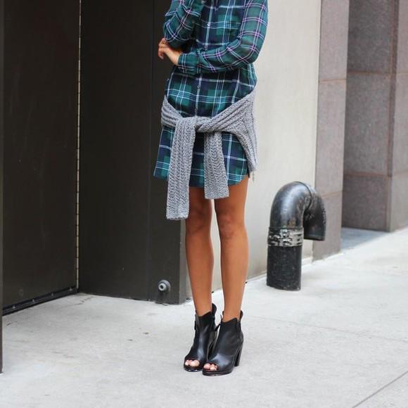 shoes shirt dress