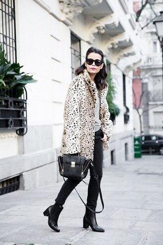 shoes dotted winter oat black jeans black bag black ankle boots blogger sunglasses