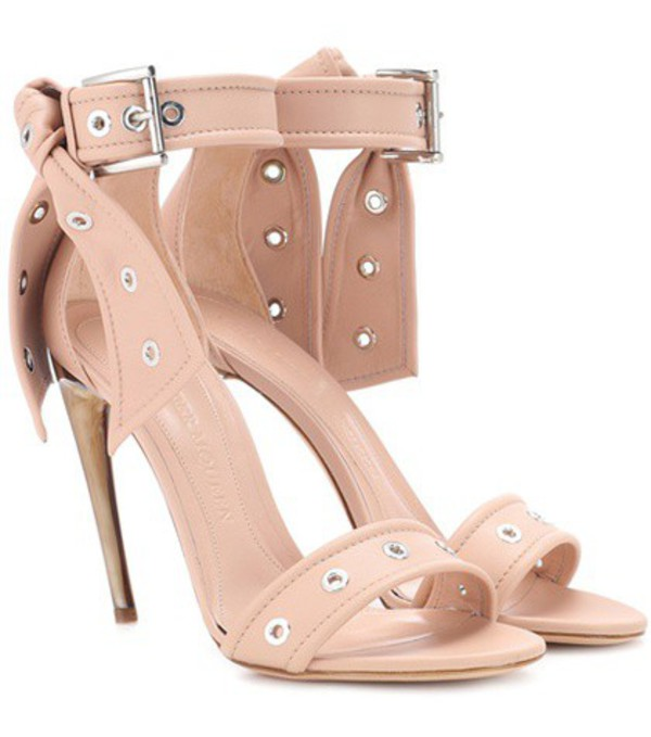 Alexander McQueen Studded leather sandals in pink