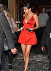 selena gomez,red dress,v neck dress