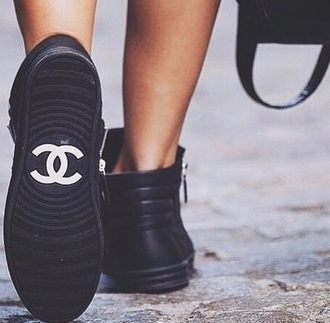 shoes chanel black white