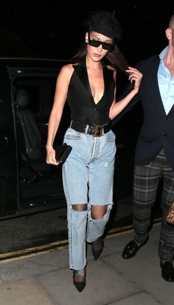 jeans denim bella hadid model off-duty top hat plunge v neck pumps