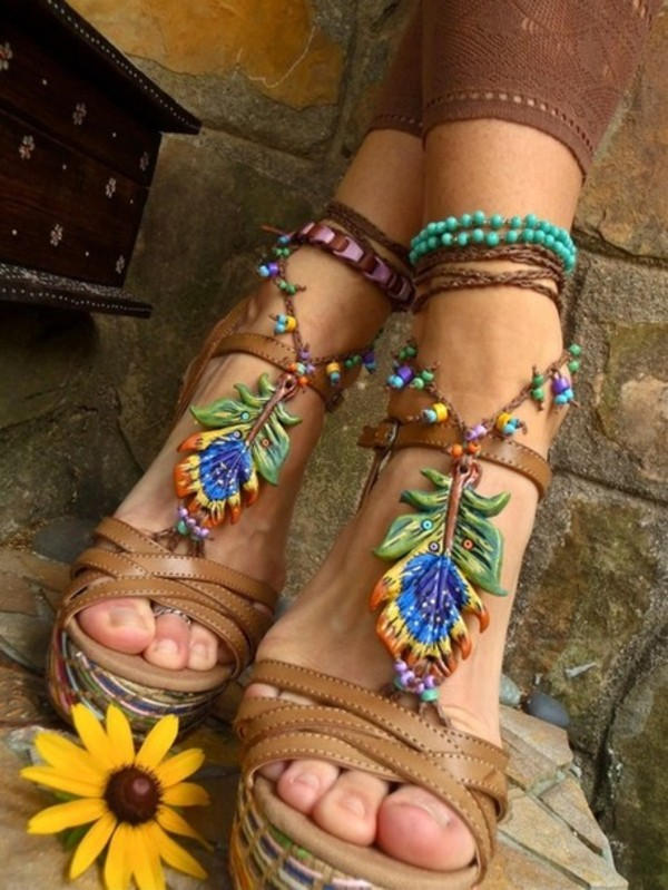 shoes boho wedges heels feathers green tumblr hipster leather shoes leather wedges high heels clothes jewels feathers girl beads peacock sandals flowers strapped