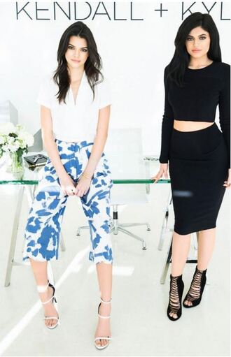 skirt bodycon top two piece dress set two-piece sandals kendall and kylie jenner kendall jenner kylie jenner pants black