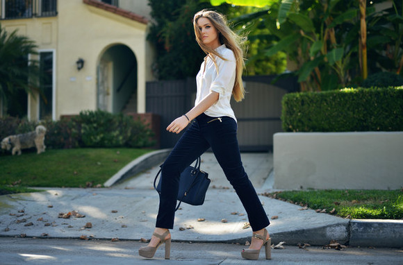 kayture blogger bag jewels make-up high heels white blouse camel camel shoes