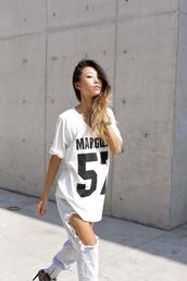 t-shirt,margiela,white t-shirt,jersey,jeans,ripped jeans,black