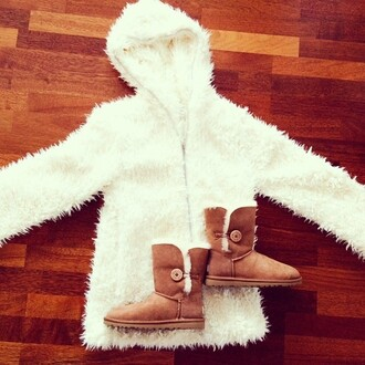 jacket veste fourrure blanc blanche poils shoes