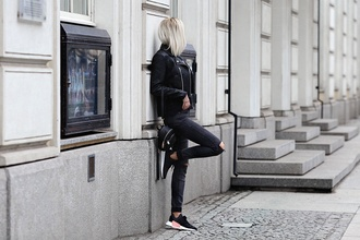 meri wild blogger top jeans jacket shoes black jacket all black everything backpack black jeans spring outfits sneakers