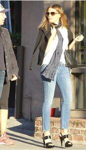 jeans,top,sunglasses,sofia vergara