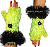 gloves,women,button gloves,etsy,instagram,etsy sale,etsy.com,twitter,tumblr,crochet fingerles,crochet,crochet gloves,green and black,funny,fur,fur gloves,fur fingerles,girl,gift ideas,women fashion,button fingerless