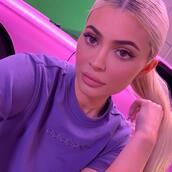 top,kylie jenner,kardashians,instagram,celebrity