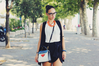 the fashion twice blogger vest high waisted shorts