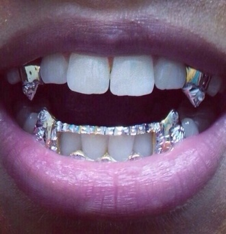 jewels grillz spiked teeth gold vampire teeth bling yonce jourdan dunn gotta have it dope style fashion swag dope wishlist fangs diamonds vampire grills where did u get that sparkle shiny lip make-up mother of pearl silver mouth teeths platinum canine k9 fang grillz diamond grillz vampire grillz teeth grillz gemstone silver jewelry accessories