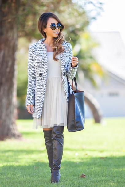 lace and locks blogger coat dress flowy black boots shoes bag sunglasses