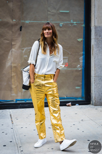 le fashion image blogger shirt blouse jeans gold pants pants sneakers fall outfits