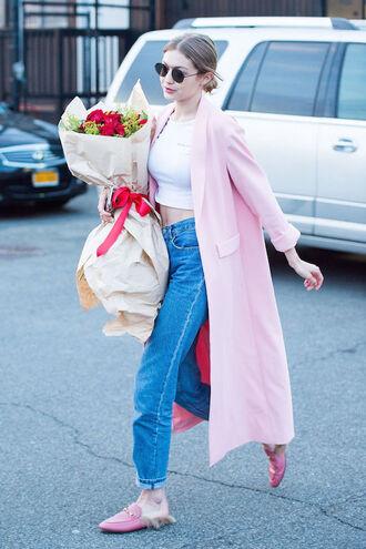le fashion image blogger sunglasses coat t-shirt jeans pink coat loafers crop tops gigi hadid celebrity celebrity style
