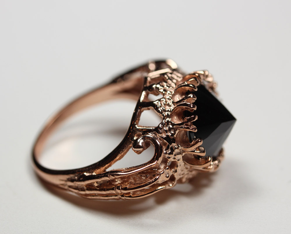 Belonging to the darkness. Rose gold vermeil & black CZ – Blood Milk Jewels