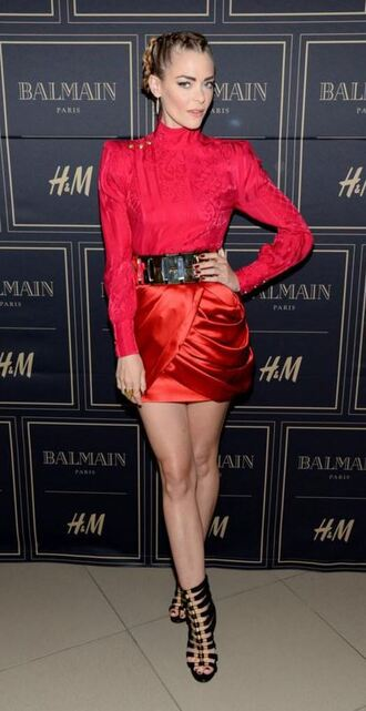 skirt red blouse belt jaime king sandals