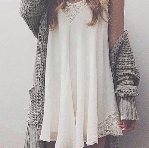 Swinging lace dress