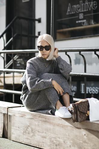 the haute pursuit blogger sweater dress shoes bag sunglasses grey knit dress pochette metis