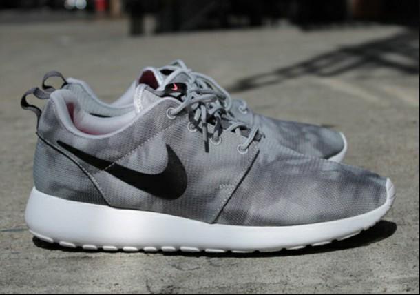 online store b80c6 b7ebc shoes nike nike running shoes nike roshe run black grey white roshe runs  wolfgrey nike roshe