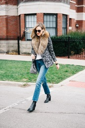 see anna jane,blogger,fur collar coat,straight jeans,fur collar jacket,printed jacket,jacket,denim,blue jeans,jeans,boots,black boots,sunglasses,high heels boots,bag,grey bag