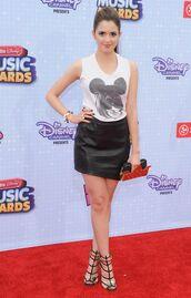 t-shirt,austin and ally,disney,Disney Channel,white,laura marano,radio disney music awards,red carpet dress,black,skirt,shoes