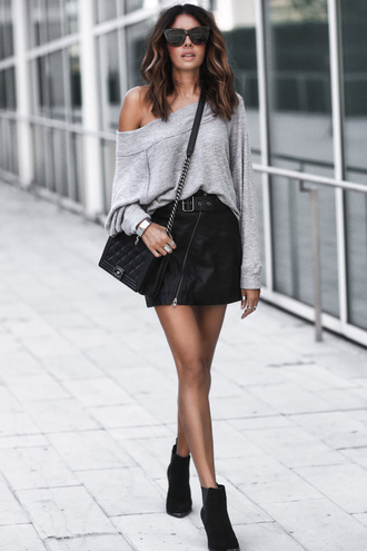 fashionedchic blogger sweater skirt shoes jewels crossbody bag grey sweater black skirt mini skirt ankle boots fall outfits