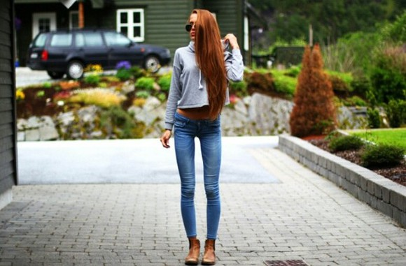 beautiful fashion style sweater greise most wanted happy girl mood jeans