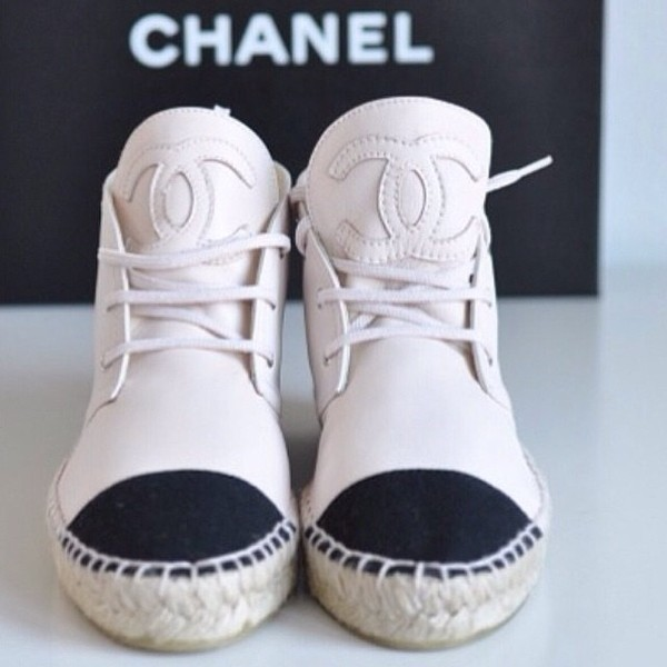 shoes espadrilles chanel espadrilles black and white