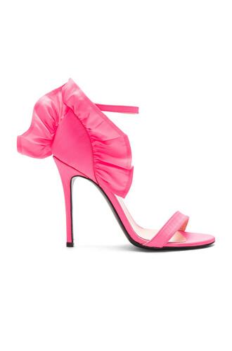 heel ruffle shoes