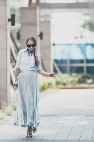 my blonde gal blogger skirt bag scarf jewels shoes blue skirt light blue button up blue bag shoulder bag maxi skirt pleated skirt silver sandals