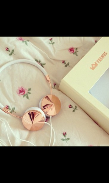 earphones headphones hipster music floral white frends pastel pale gold