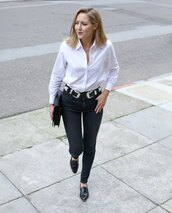 belt,jewels,the classy cubicle,blogger,white shirt,black jeans,black flats,clutch,double buckle belt,black shoes,denim,jeans,shirt,black clutch,office outfits,skinny jeans