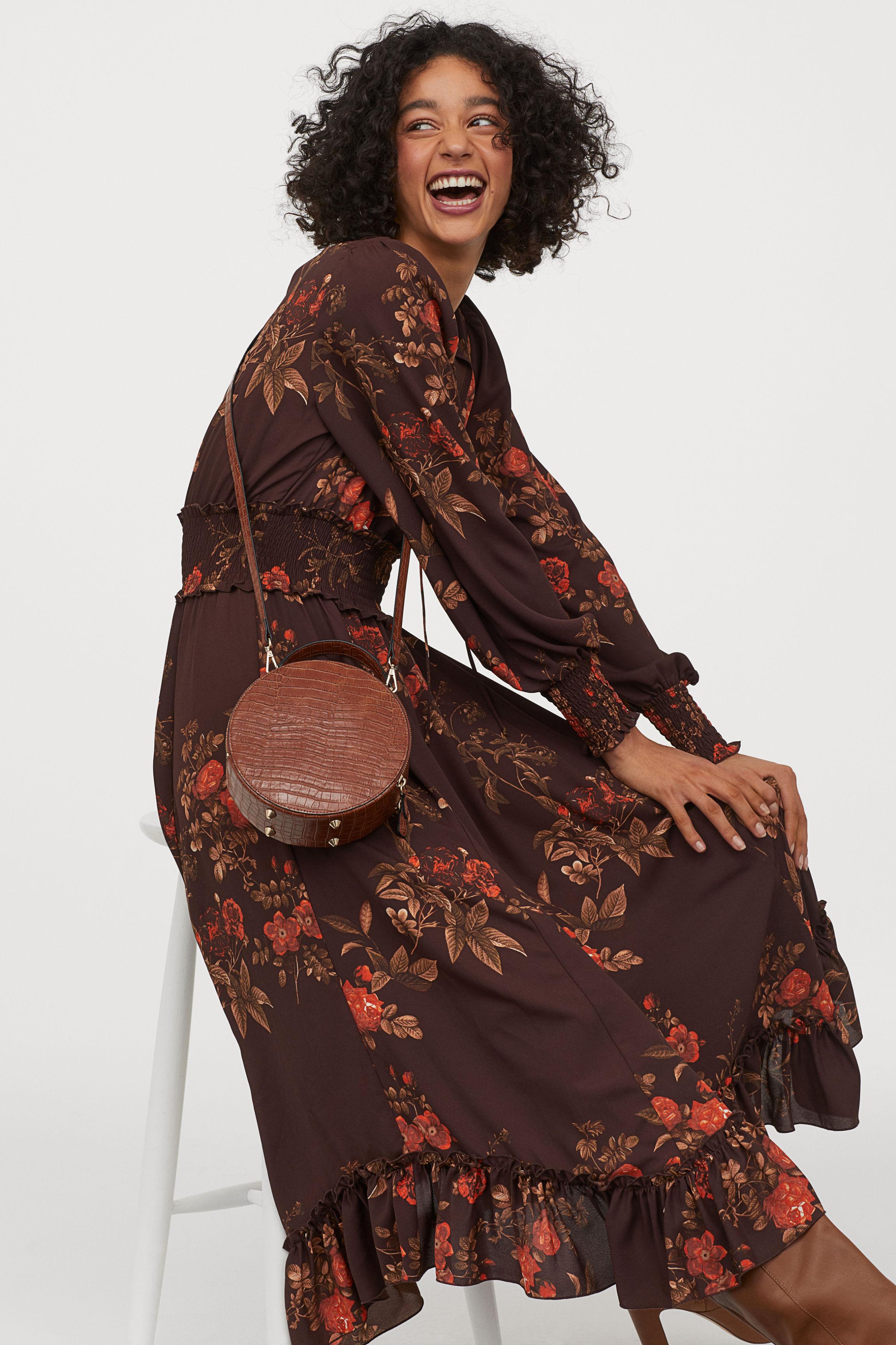 Long dress with smocking - Dark brown/Red floral - Ladies | H&M GB