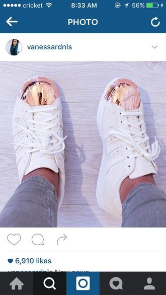 shoes rosegoldadidas white adidas shoes adidas adidas originals adidas shoes whiteandgold tennis shoes rose gold