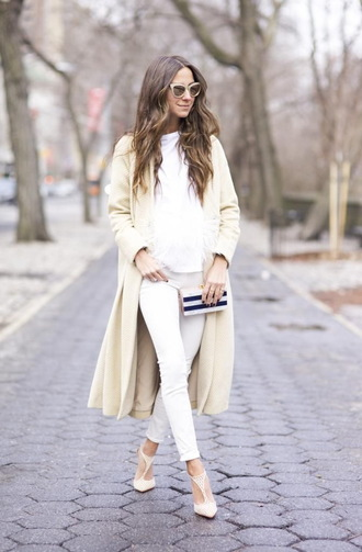 coat white and beige outfit white and beige sweater white sweater pants white pants pumps pointed toe pumps high heel pumps beige coat sunglasses cat eye winter outfits winter look