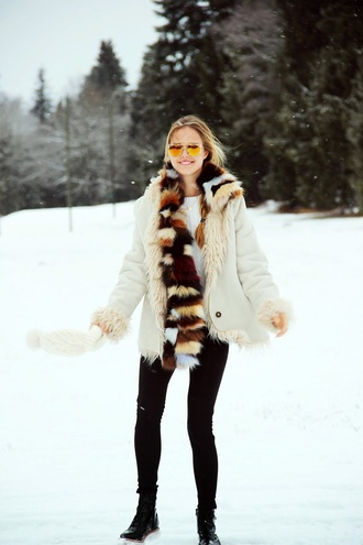 bonsoir cherie blogger scarf winter coat faux fur mirrored sunglasses winter outfits sunglasses sweater jewels coat shoes